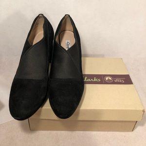 Clark's women's black suede pumps Heels Sz 9.5